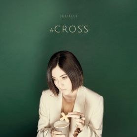 Julielle – (A)Cross